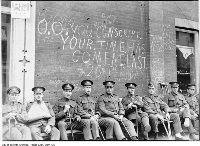 War wounded and graffiti. - [1916]