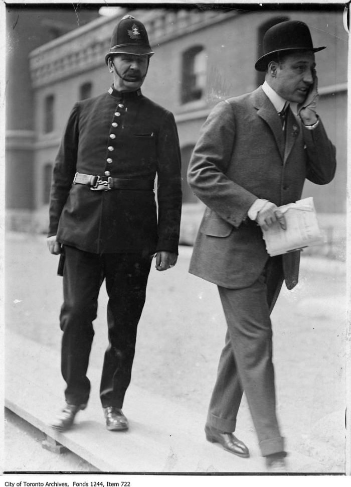 Policeman and recruit, Armouries. - [1914?]
