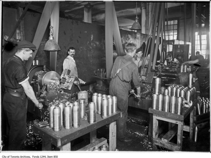 Munitions factory. - [1915?]