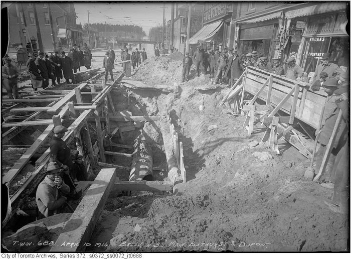 Fonds 200, Series 372, Subseries 72 - Toronto Water Works photog