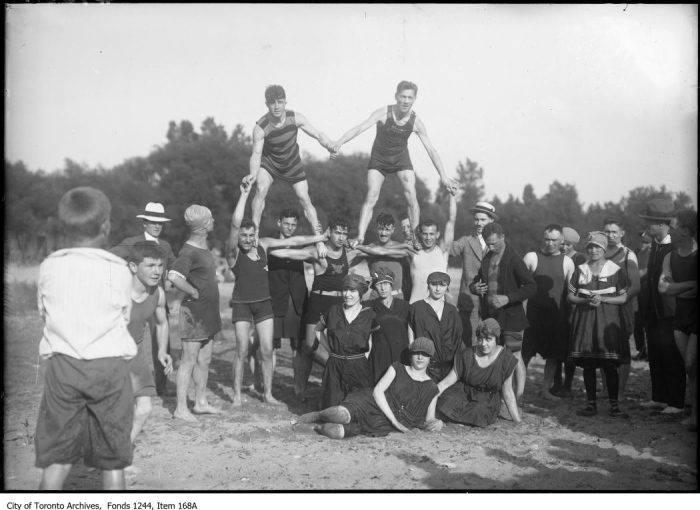 Bathers forming a pyramid, Scarborough Beach. - [between 1908 and 1912?]